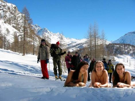 Thayna, Noni e Catu na neve