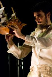 Leonardo Moreira é Próspero, duque de Milão